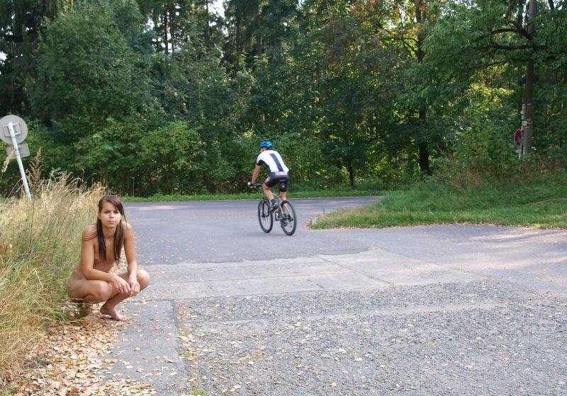 sylva-n-nude-in-public-euronudes-09