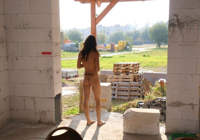 sylva-n-nude-in-public-euronudes-25