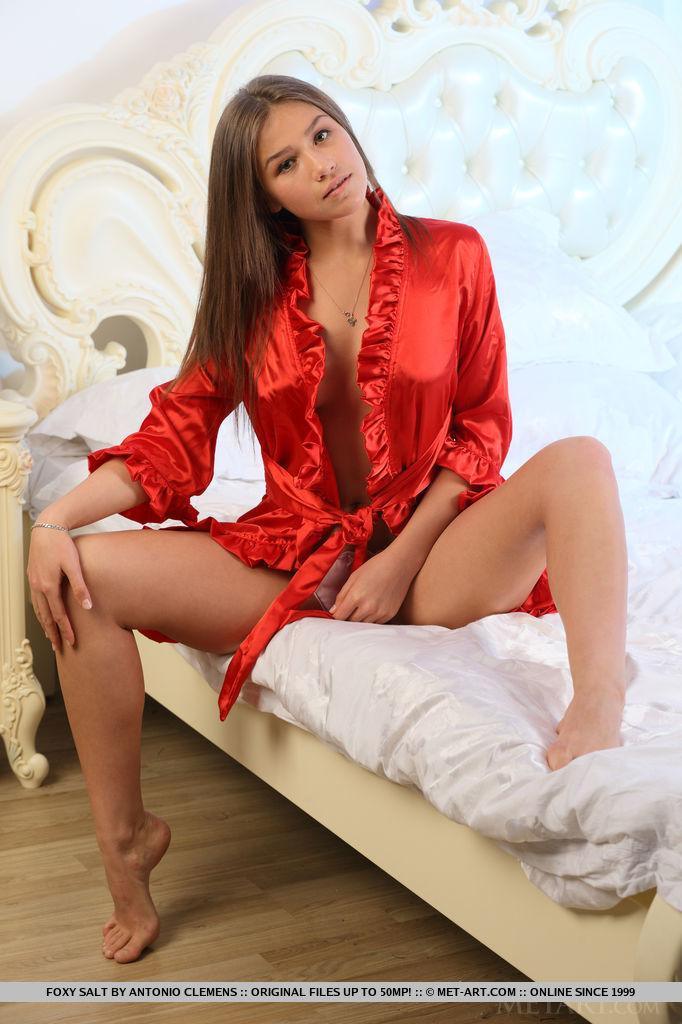 foxy-salt-bathrobe-nude-metart-02