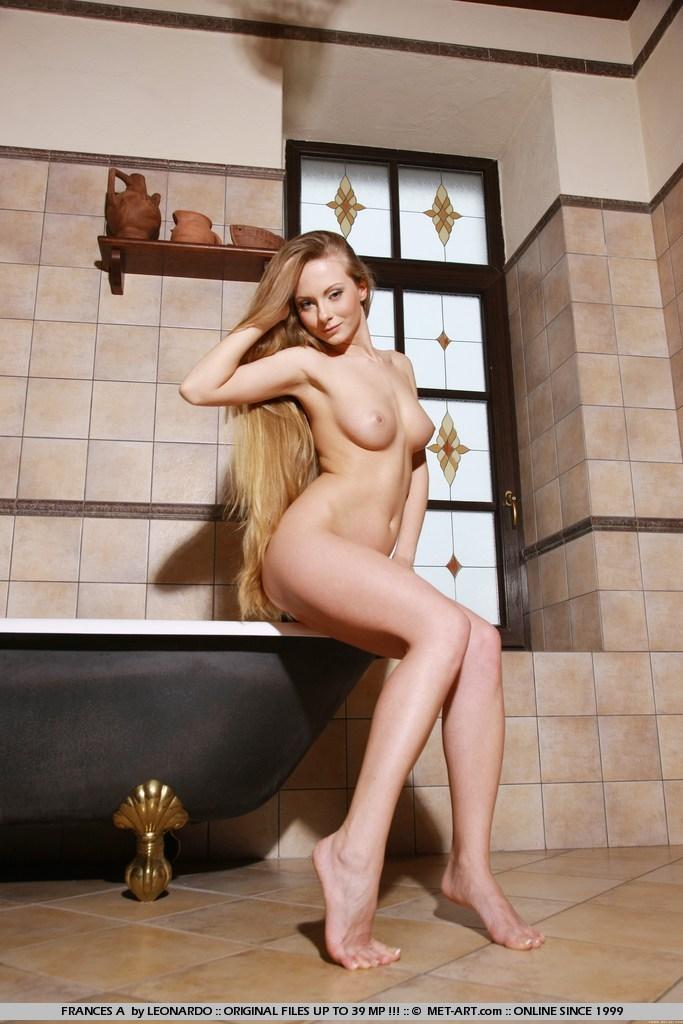 frances-a-bathroom-nude-metart-09