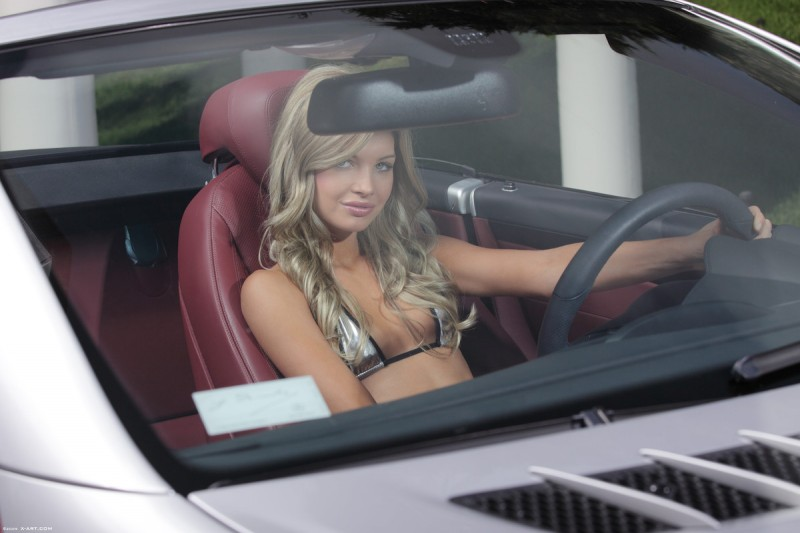 francesca-nude-blonde-mercedes-sl-xart-04
