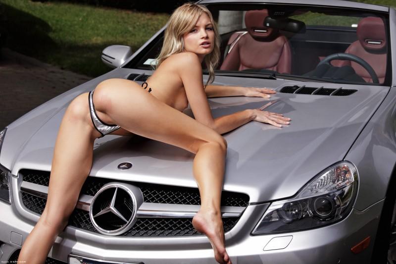 francesca-nude-blonde-mercedes-sl-xart-08