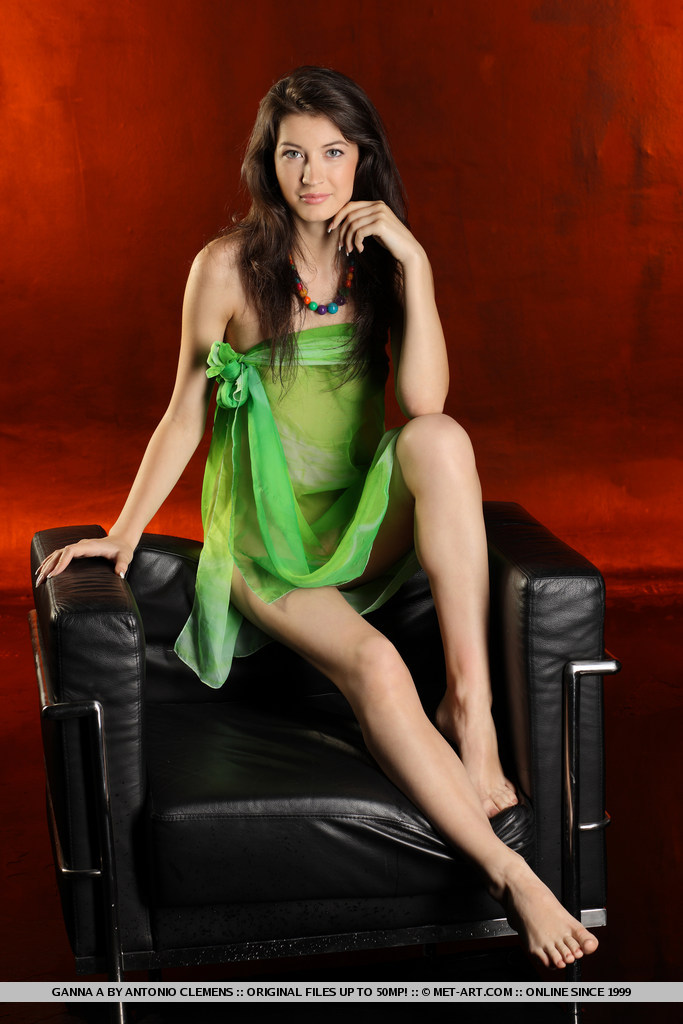 ganna-a-nude-armchair-metart-01