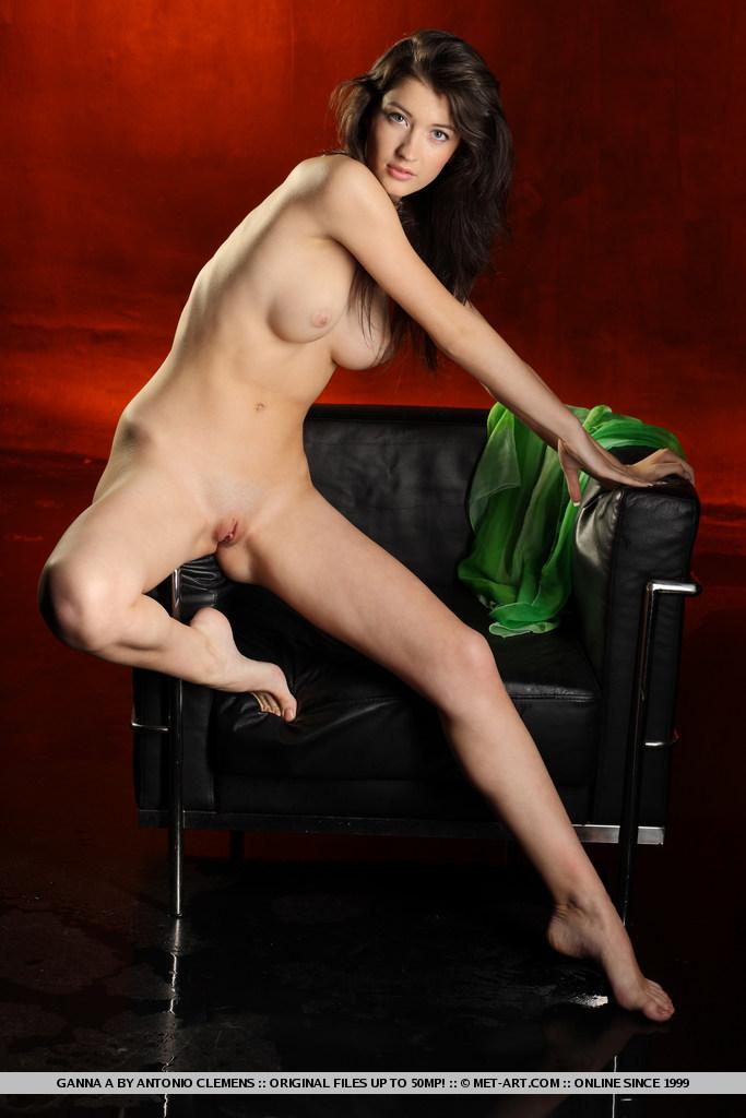 ganna-a-nude-armchair-metart-09