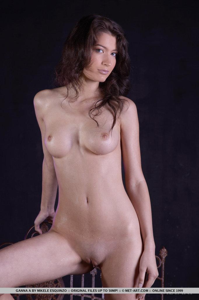 ganna-a-wet-naked-metart-05