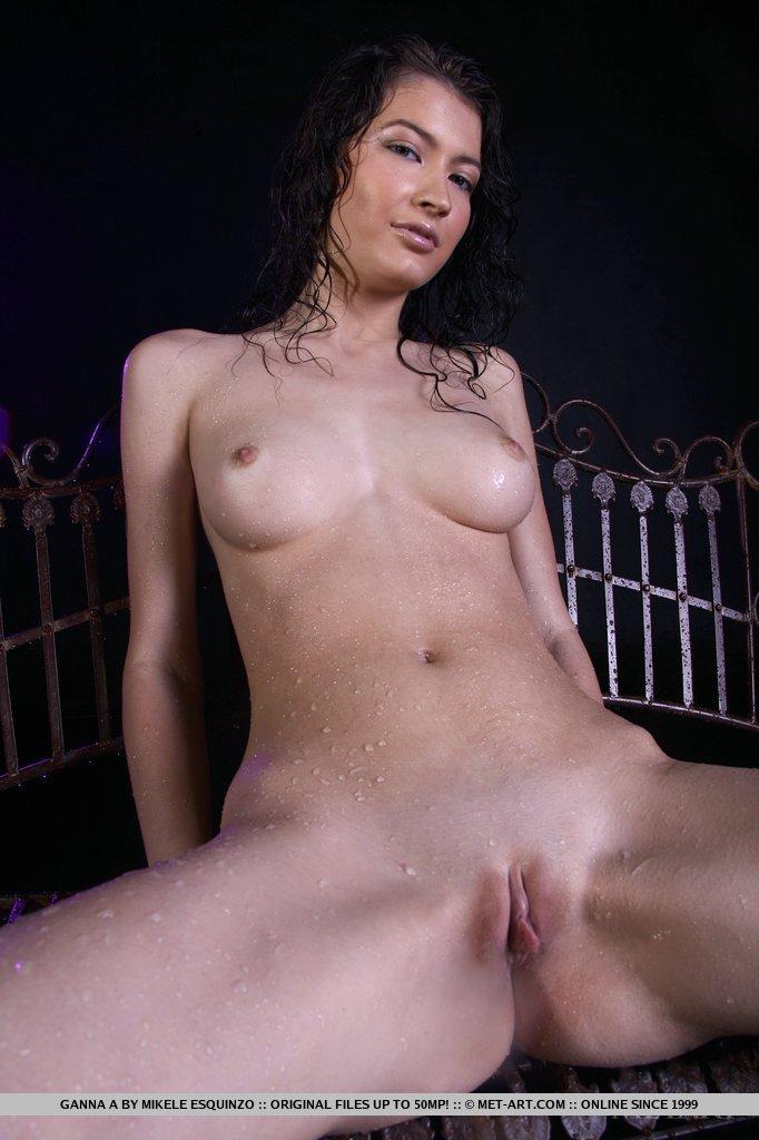 ganna-a-wet-naked-metart-12