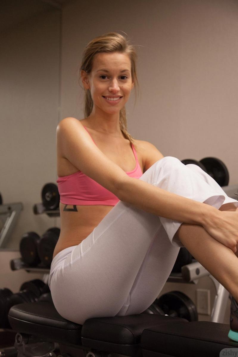 geri-burgess-gym-workout-zishy-31