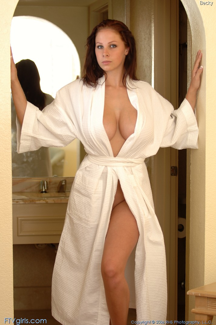 becky-bathrobe-boobs-nude-ftvgirls-02