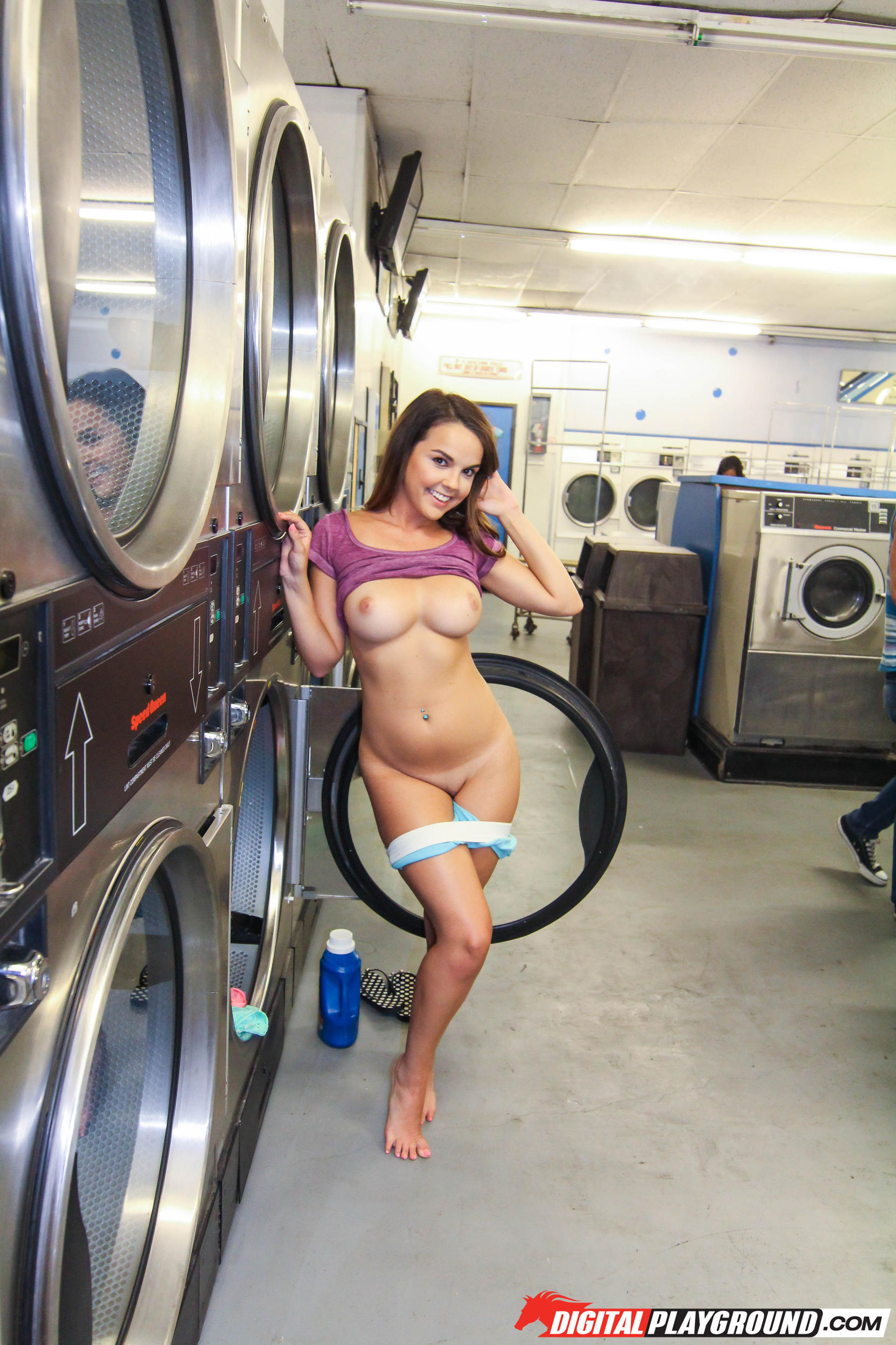 laundry-girls-nude-washing-machine-photo-mix-19