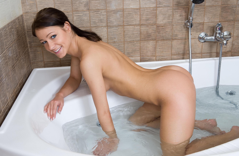 naked-girls-taking-bath-boobs-wet-mix-vol4-18
