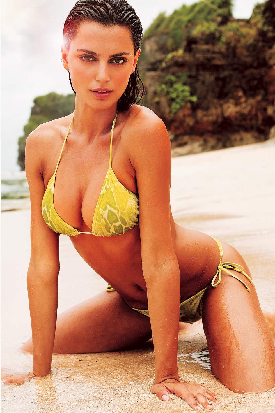 girls-in-bikini-photo-mix-59