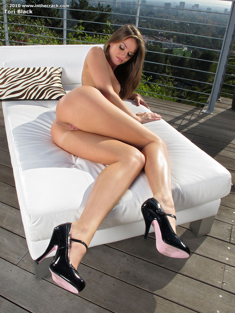 nude-girls-only-in-high-heels-mix-31