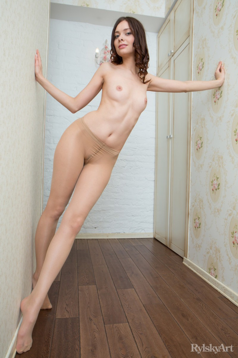 nude-girls-in-pantyhose-vol2-04