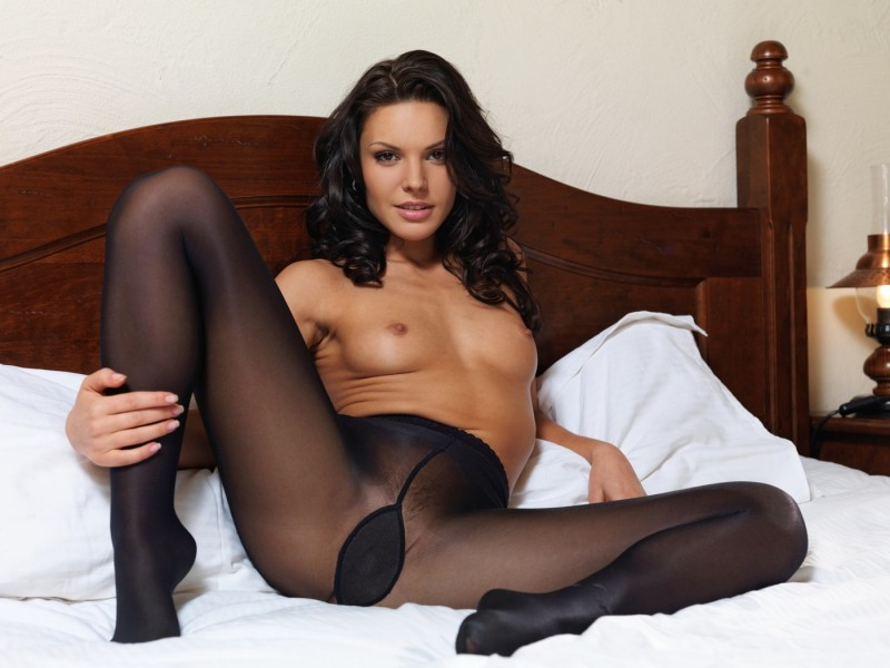 nude-girls-in-pantyhose-84
