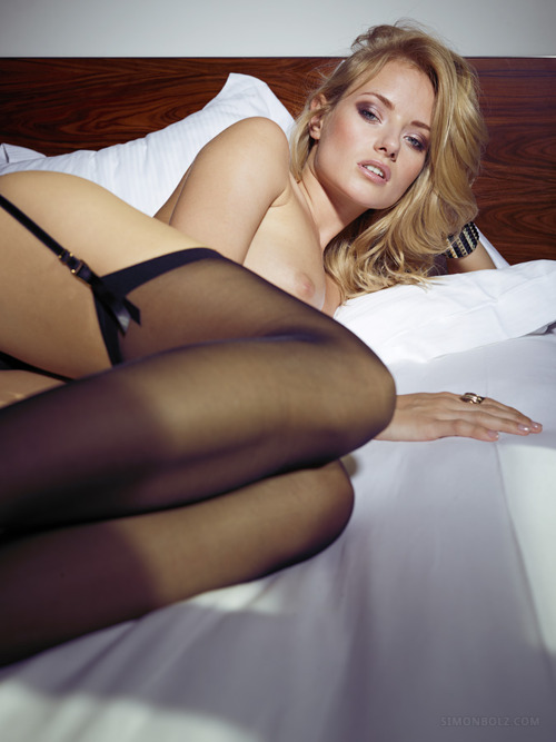 girls-in-stockings-vol4-72