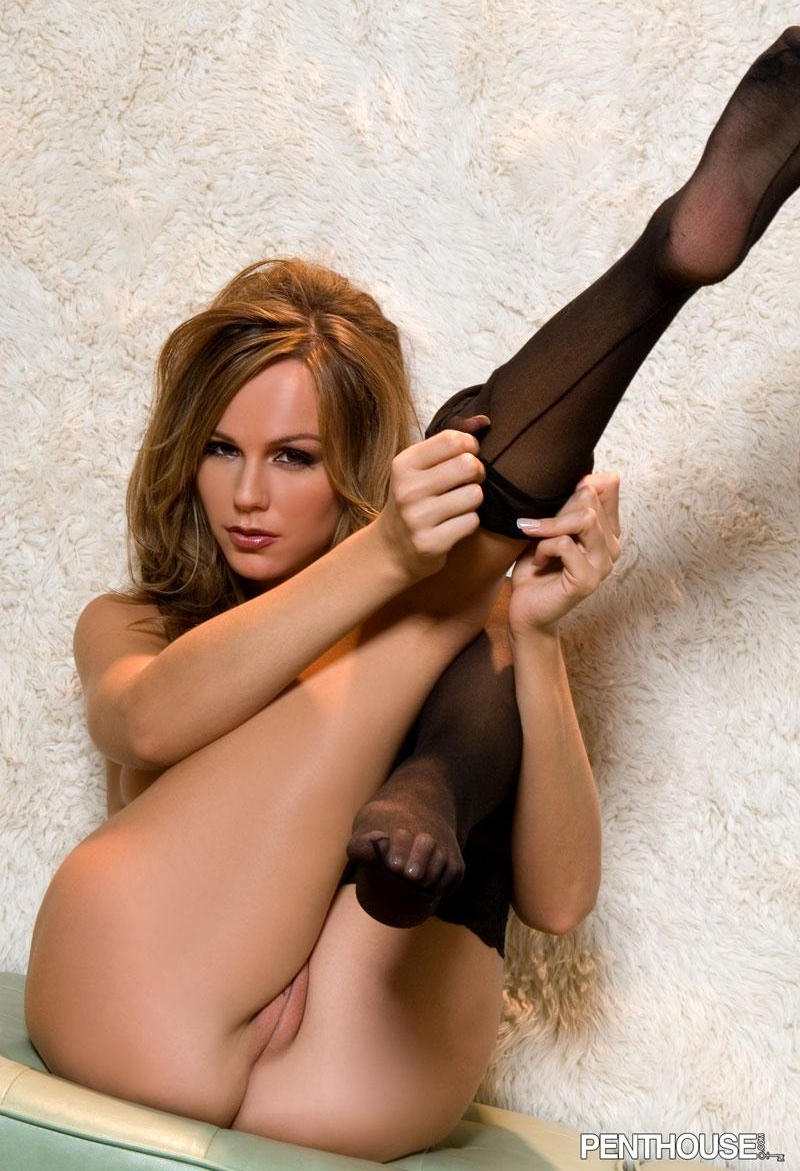 girls-in-stockings-vol4-73