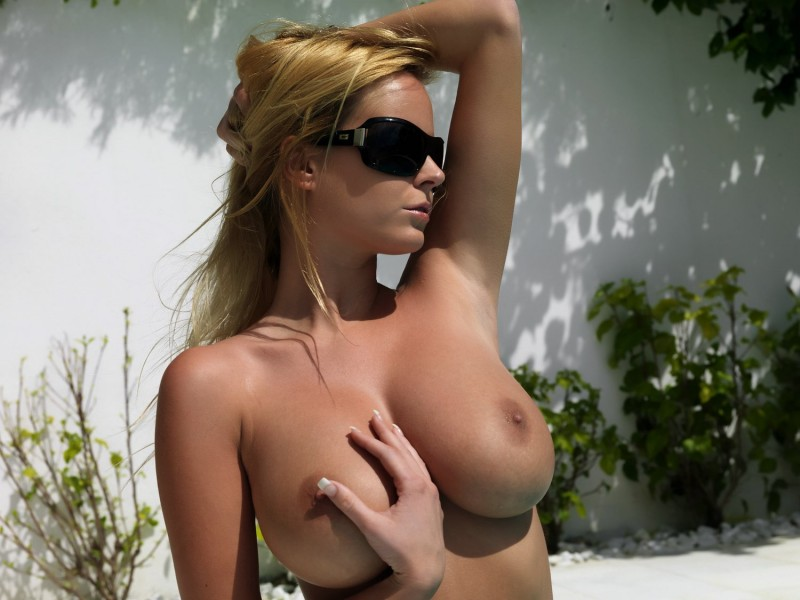 nude-girls-sunglasses-boobs-naked-mix-01