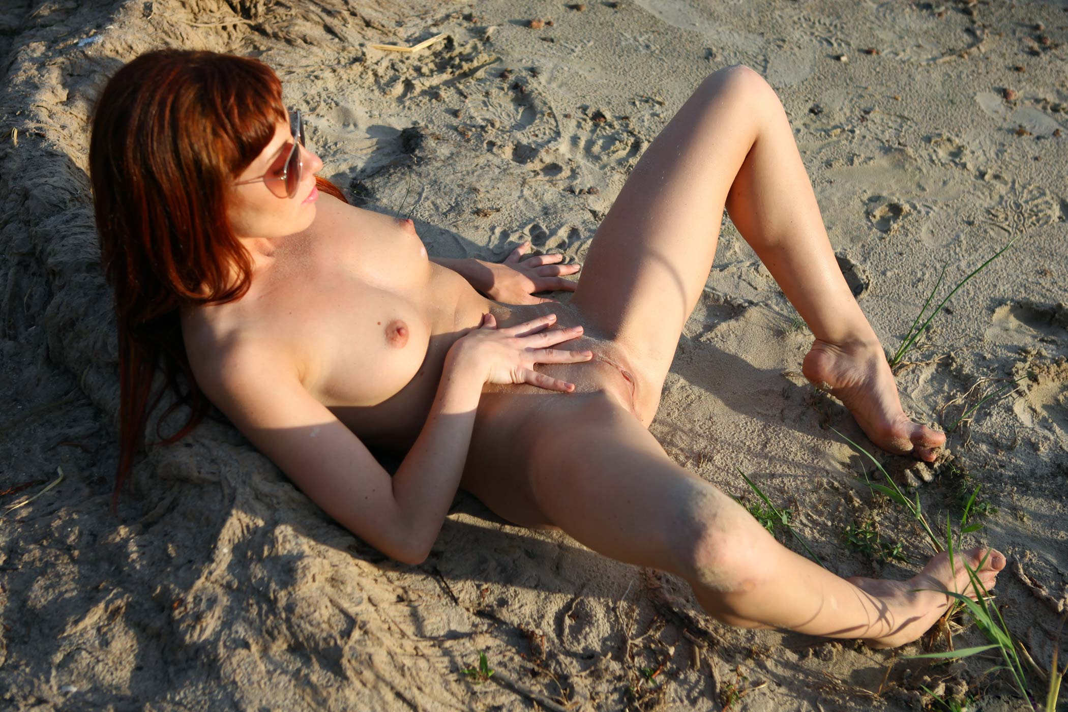 nude-girls-sunglasses-boobs-naked-mix-26