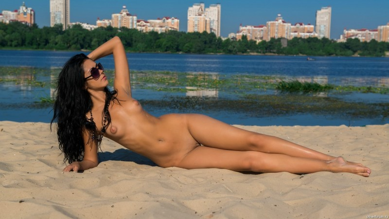 nude-girls-sunglasses-boobs-naked-mix-39