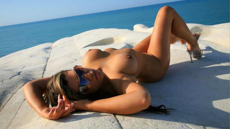 nude-girls-sunglasses-boobs-naked-mix-82