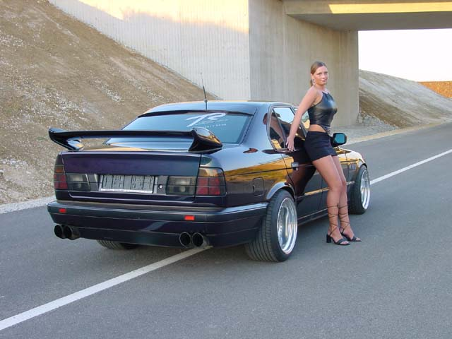 girls-and-bmw-113