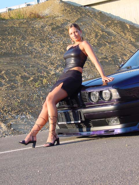 girls-and-bmw-115