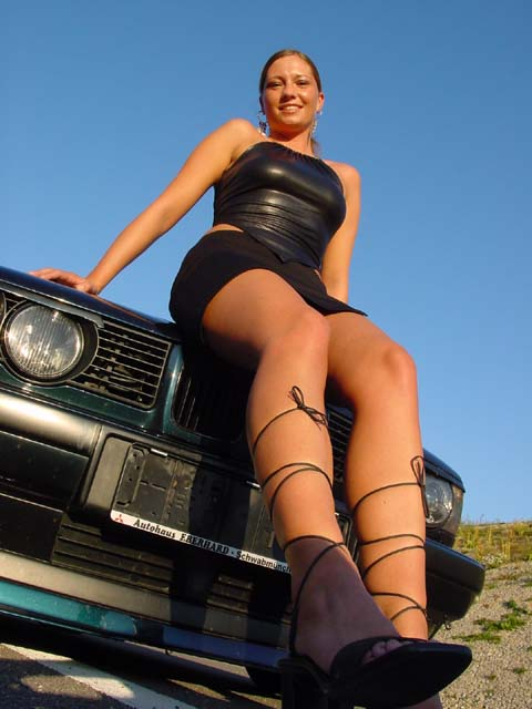 girls-and-bmw-116
