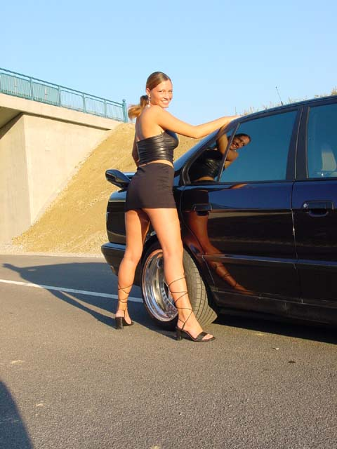 girls-and-bmw-118