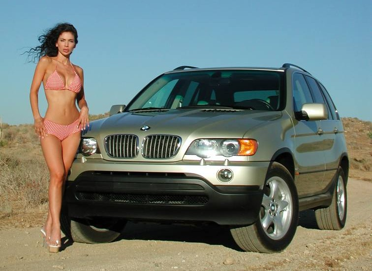 girls-and-bmw-16