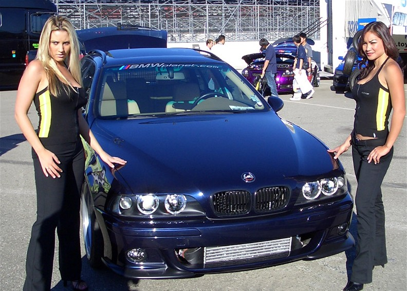 girls-and-bmw-44