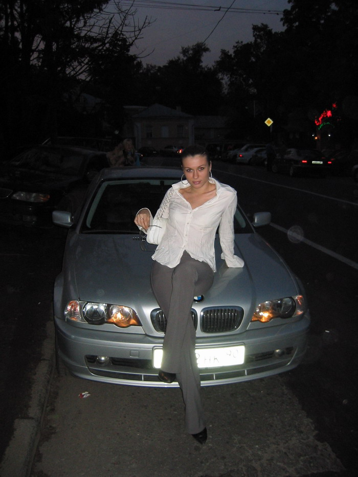 girls-and-bmw-50