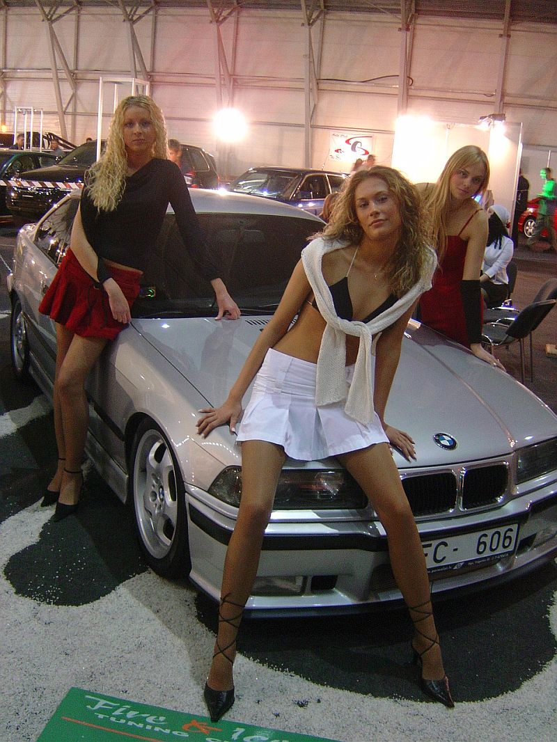 girls-and-bmw-78
