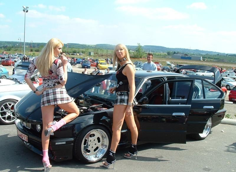 girls-and-bmw-80