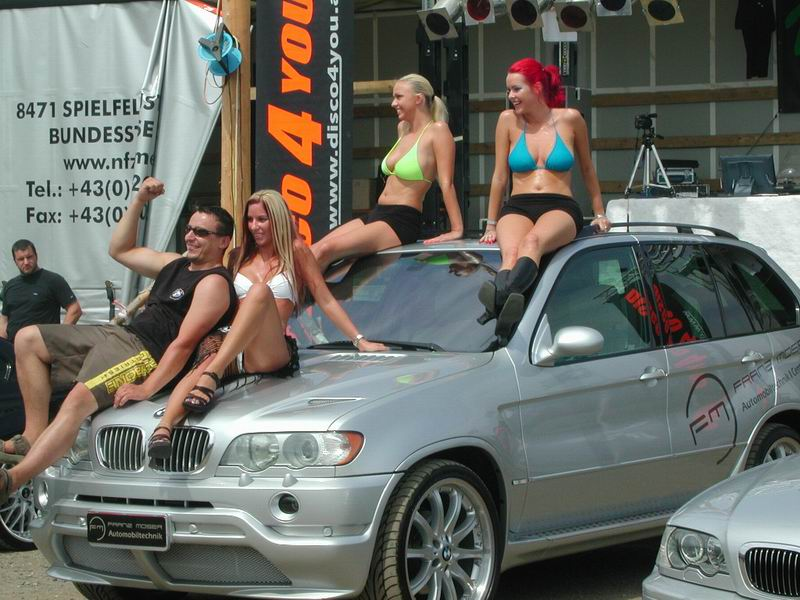 girls-and-bmw-98