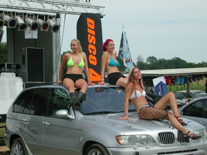girls-and-bmw-99