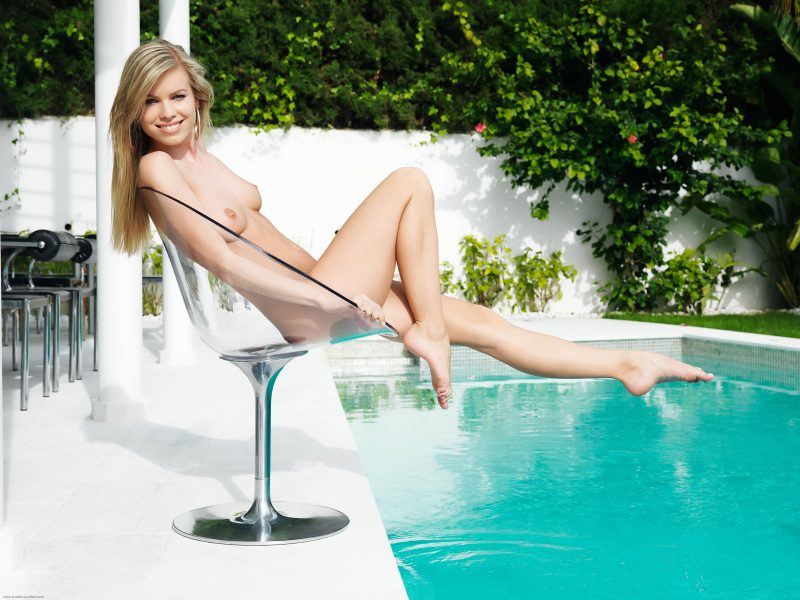 naked-girls-in-the-pool-vol5-54