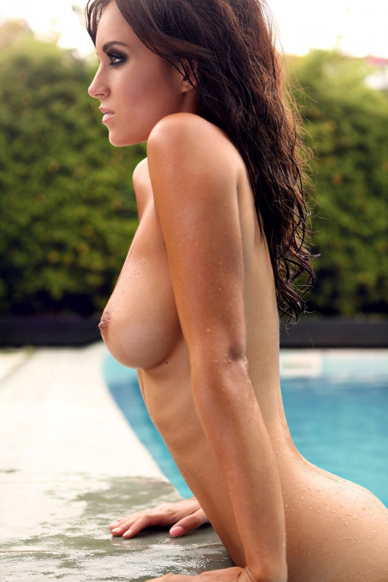 girls-nude-in-the-pool-vol4-29