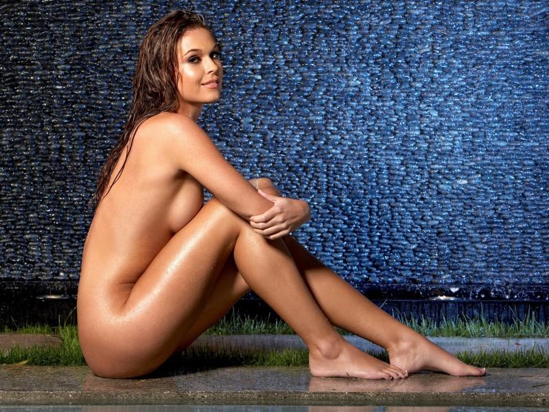 girls-nude-in-the-pool-vol4-37
