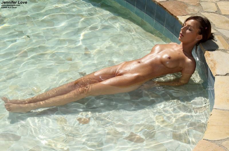 girls-nude-in-the-pool-vol4-44