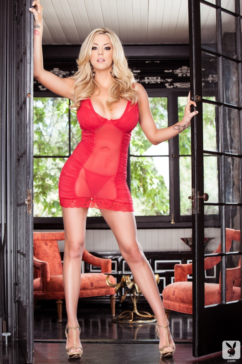got-gisele-red-nighty-playboy-01