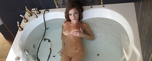 Giulia in the bath