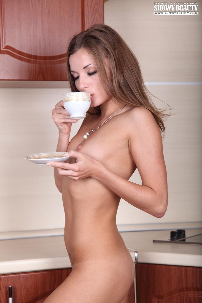 alyssa-kitchen-showybeauty-12