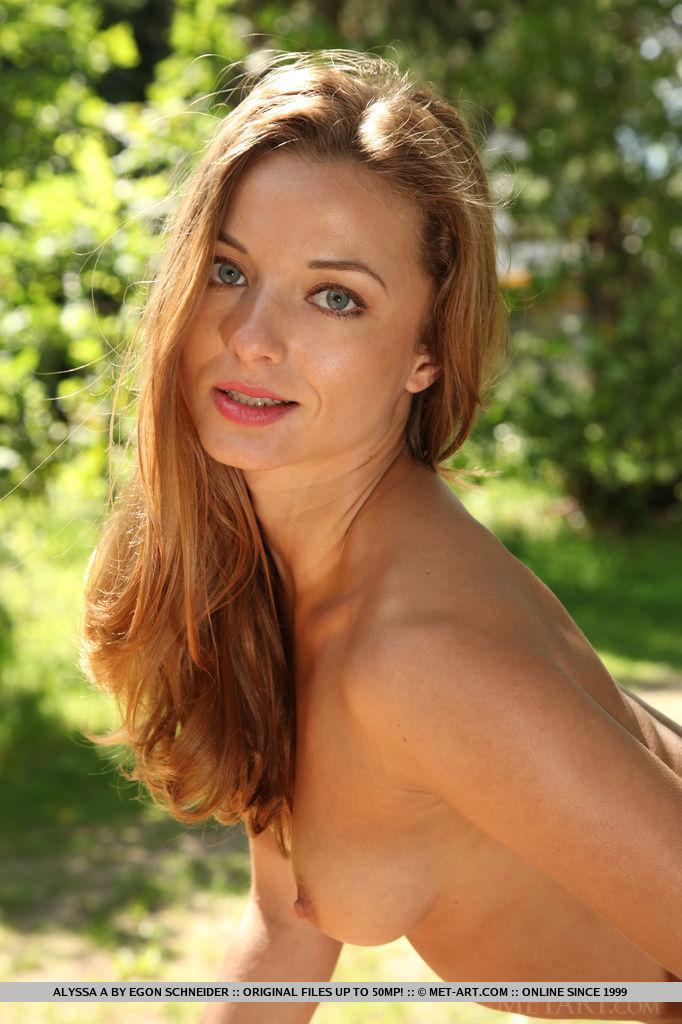 alyssa-a-outdoor-nude-met-art-18