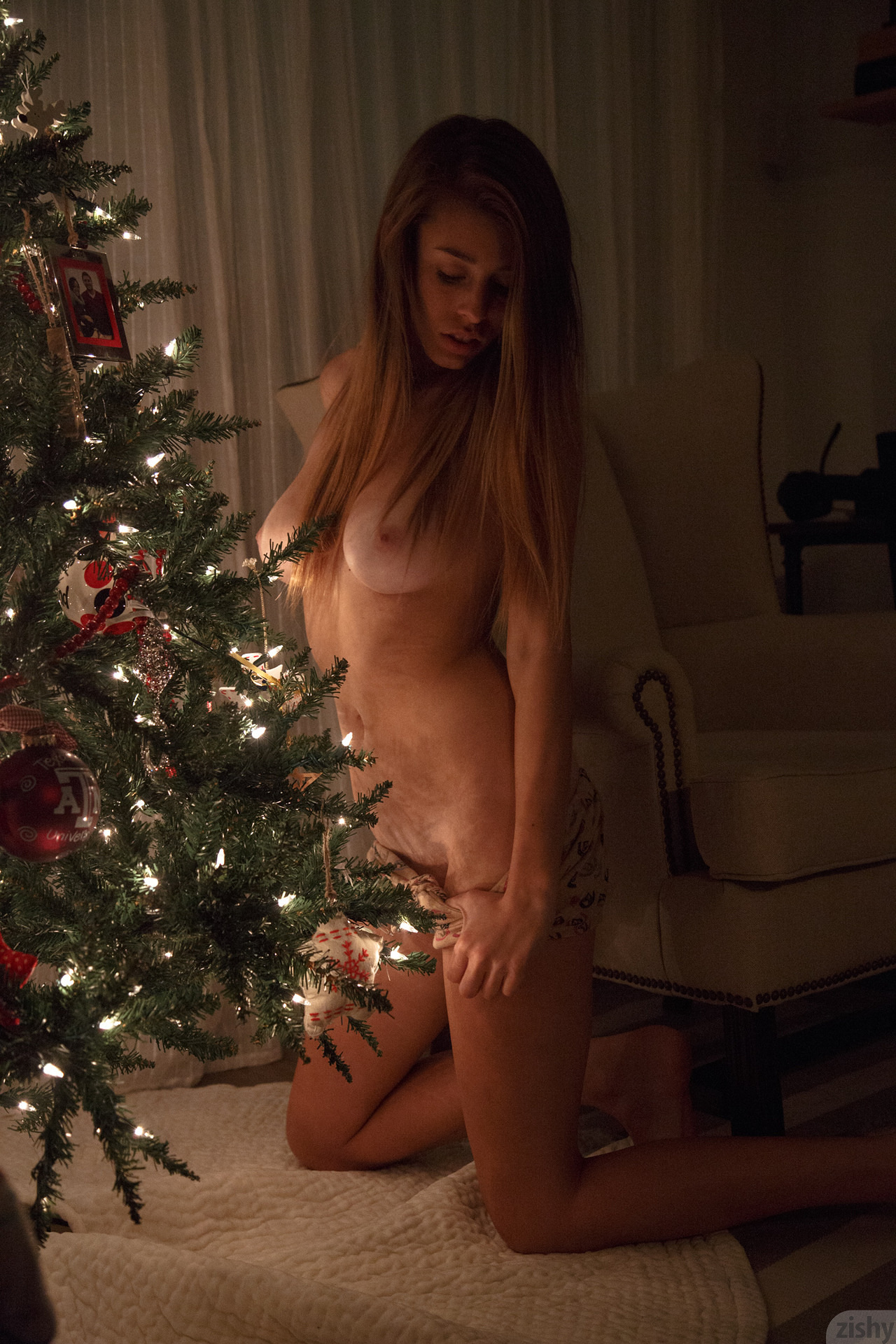 gracie-thibble-christmas-morning-boobs-zishy-32
