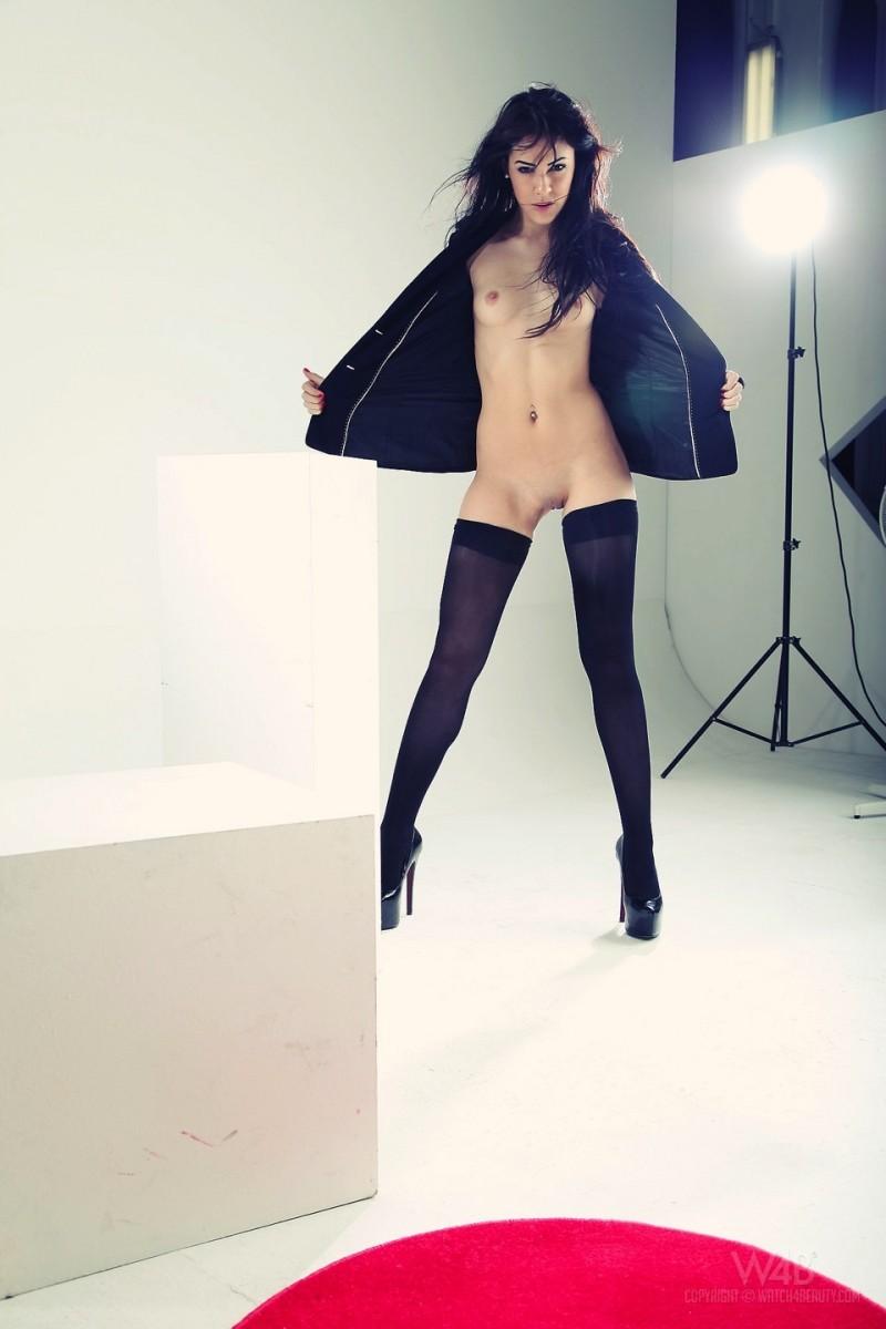 gracy-taylor-black-stockings-watch4beauty-02