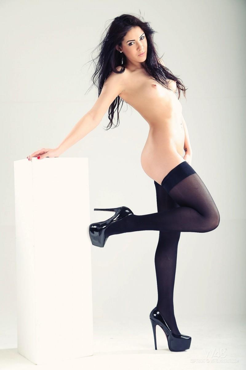 gracy-taylor-black-stockings-watch4beauty-11