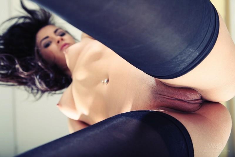 gracy-taylor-black-stockings-watch4beauty-22