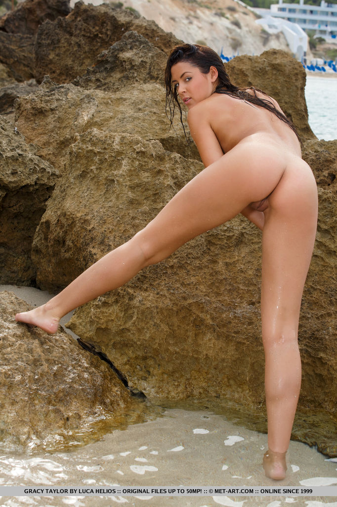 gracy-taylor-seaside-shorts-naked-metart-14