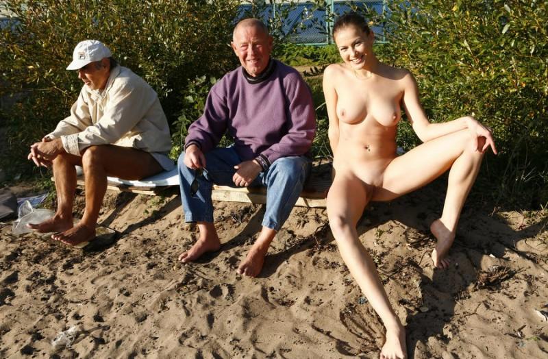gymnast-girl-nude-in-public-09