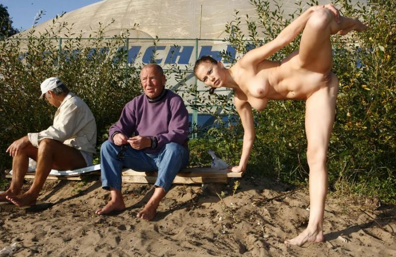 gymnast-girl-nude-in-public-10